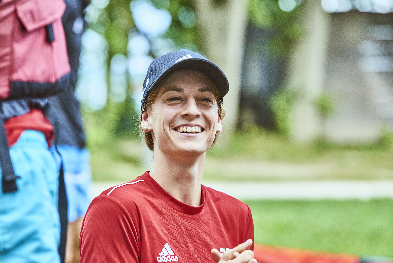 Anna Schaffelhuber zu Besuch im Anna Schaffelhuber Grenzenlos Camp